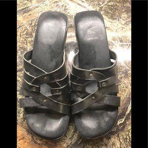Black platform sandal by White Mountain